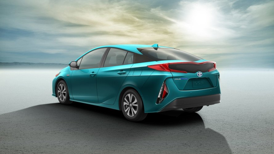 toyota, toyota prius, toyota prius prime, prius prime, prius plug-in hybrid, plug-in hybrid, new york auto show, 2016 new york auto show, electric motor, hybrid, green car, green transportation, lithium-ion battery