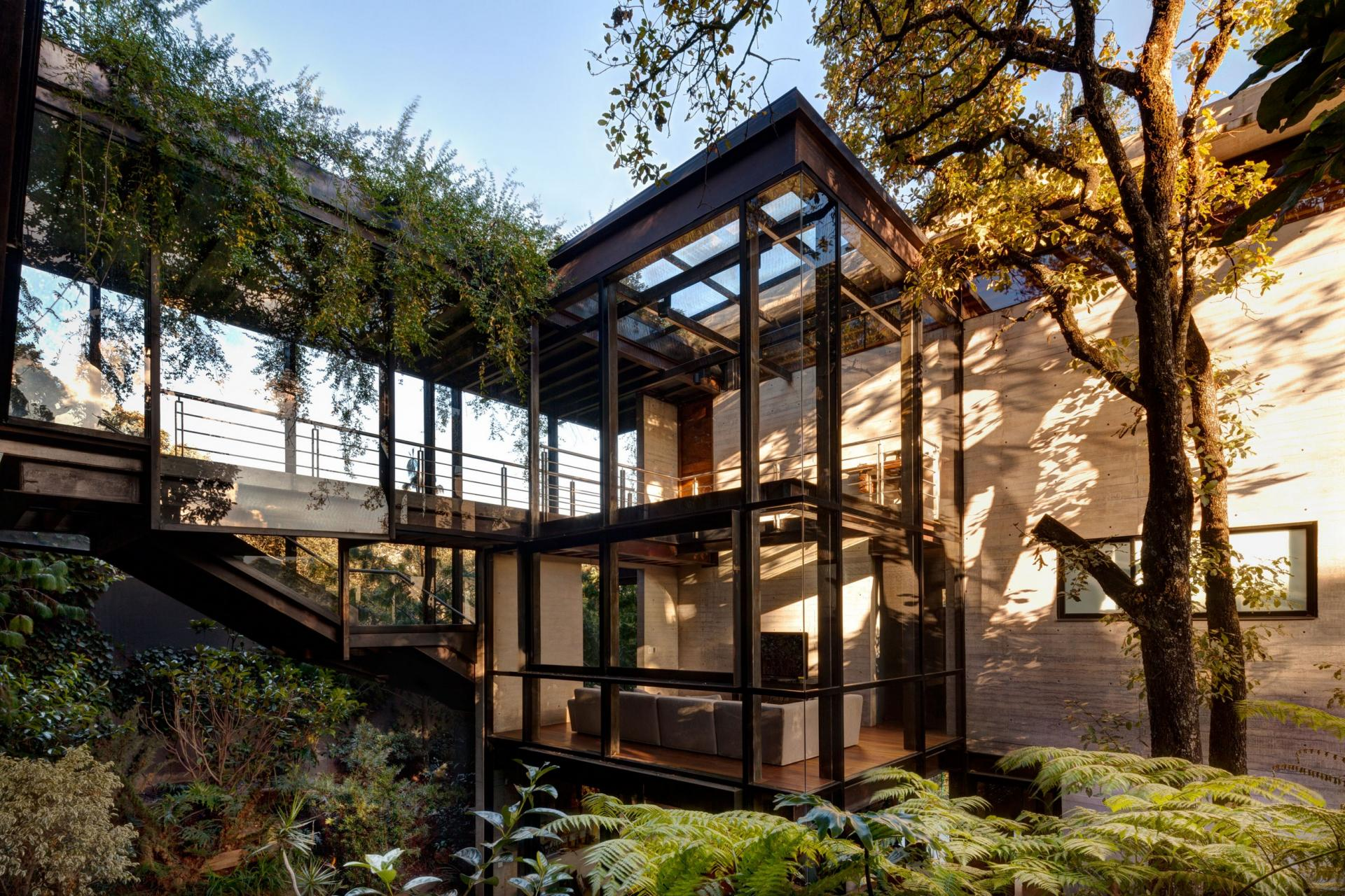 Stunning La Casa en el Bosque tree house proves that ... on nature architecture, natural modern architecture, natural light architecture,