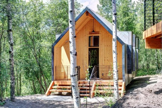 cabins single girls Levels: old post cabin is on a single floor with a small step up to the cabin it is a favorite cabin for couples, has an open floor plan, and plenty of leg room this cabin is also close to the pool located near the lodge.