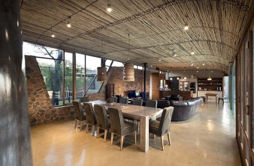 bushveld architecture, House Mouton by Earthworld Architects, Roodeplaat Nature Reserve architecture, Pretoria bush architecture, south african eco-friendly architecture