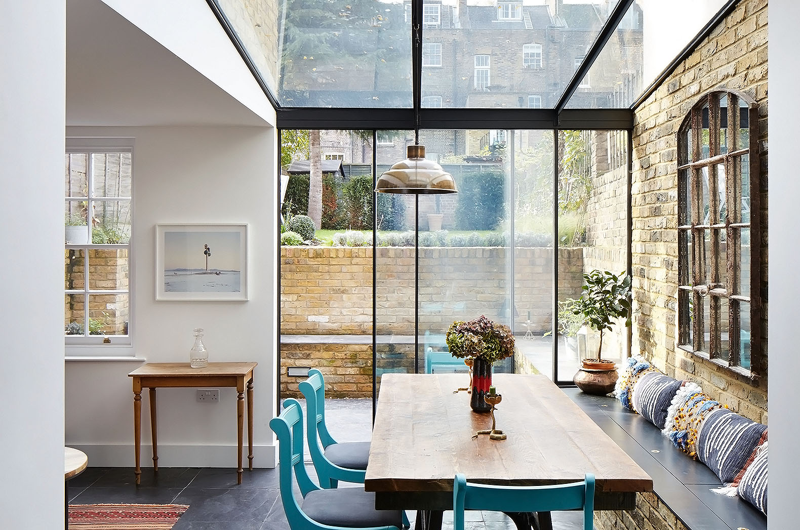 H 219 T Deftly Extends A Victorian House In London S Mile End With A Jewel Like Glass Box