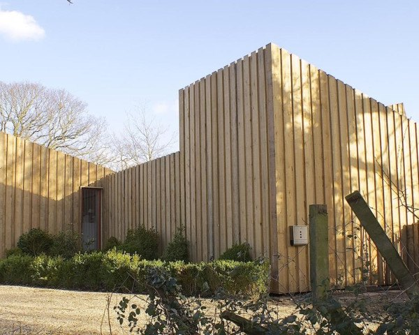 Pond House by forresterarchitects, Pond House in Norfolk Broads, Norfolk Broads architecture, Passivhaus houses, solar-powered passivhaus home