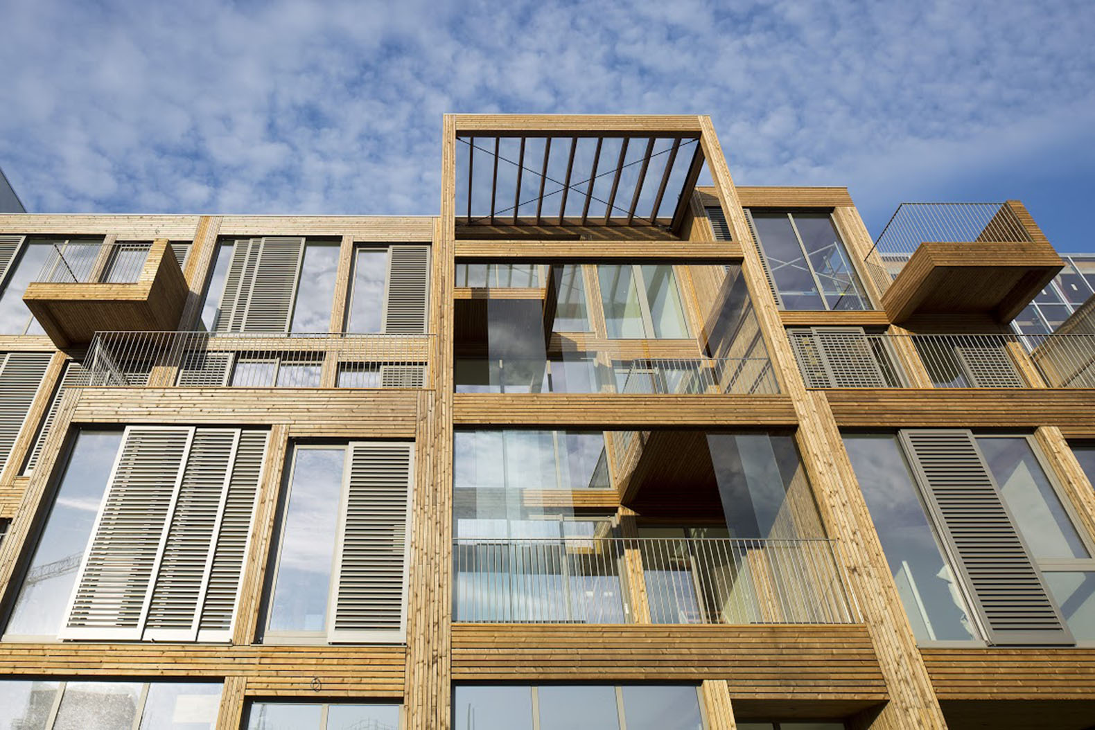 Solar powered wooden lofts heated independently of for Solar architect