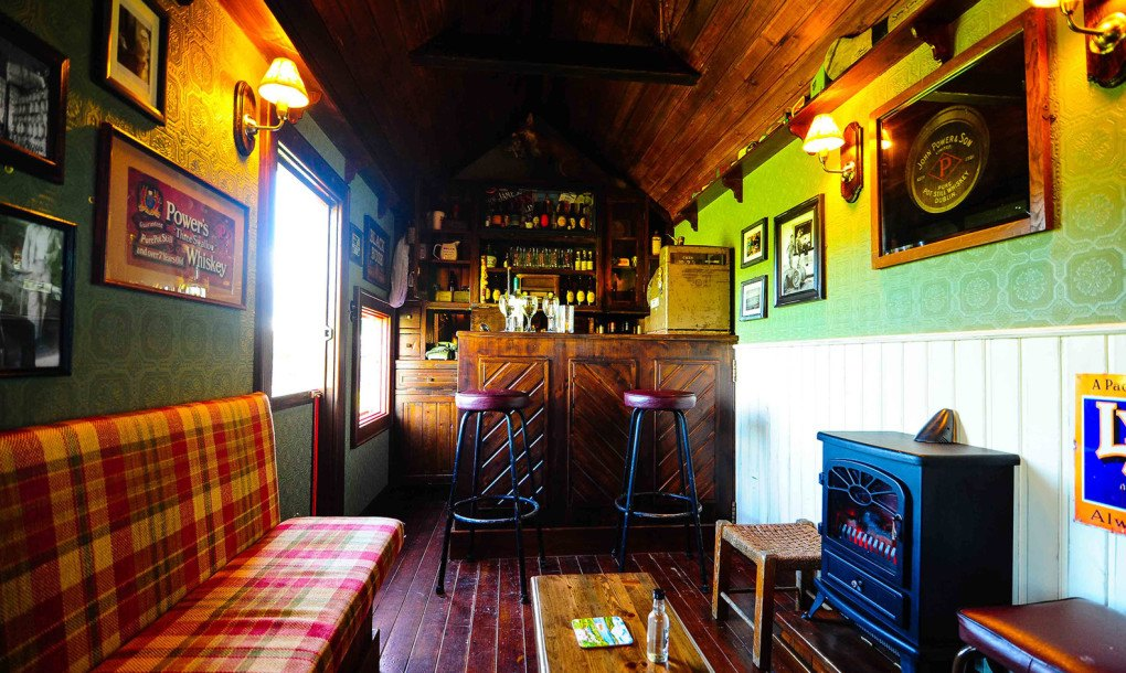 this tiny irish pub on wheels wins st patrick 39 s day inhabitat green design innovation. Black Bedroom Furniture Sets. Home Design Ideas