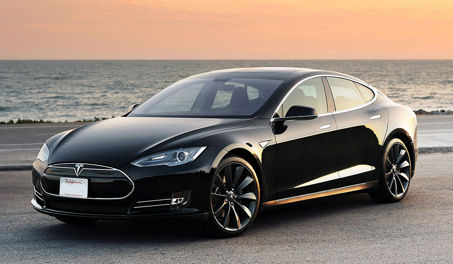 Singapore Tesla Owner Sled With 15 000 Fine For Carbon Emissions