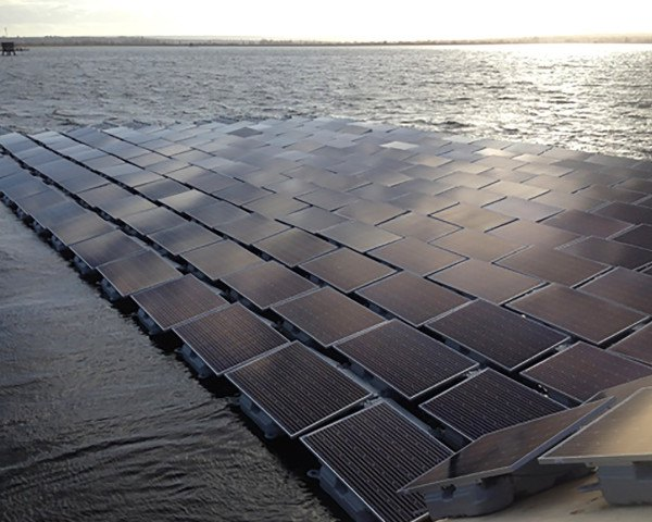 united kingdom, london, floating solar farm, world's biggest floating solar farm, world's largest floating solar farm, solar powered water treatment