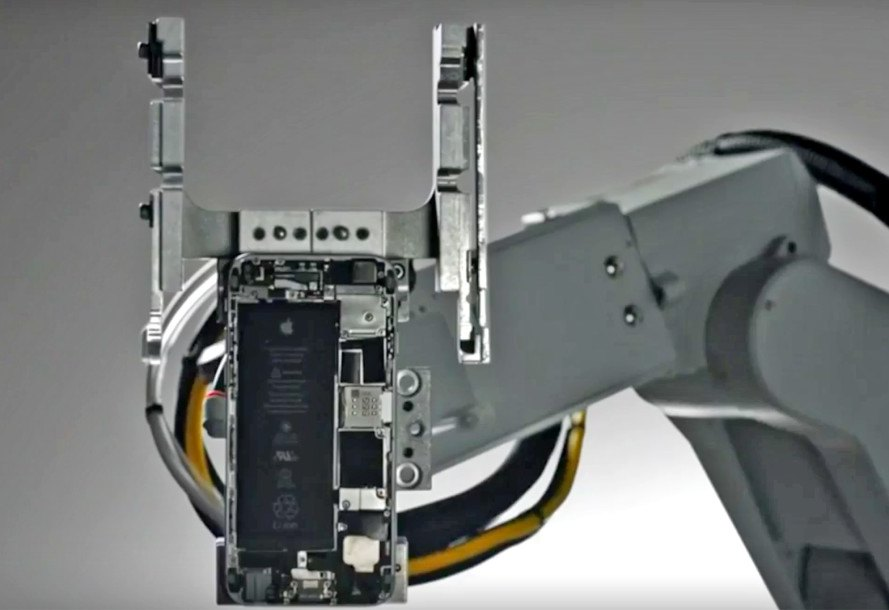 Apple, Liam, Apple Renew, iPhone recycling robot, iPhone recycling, robot, iPhone, Apple environmental initiatives, sustainable design, green design, recycled materials