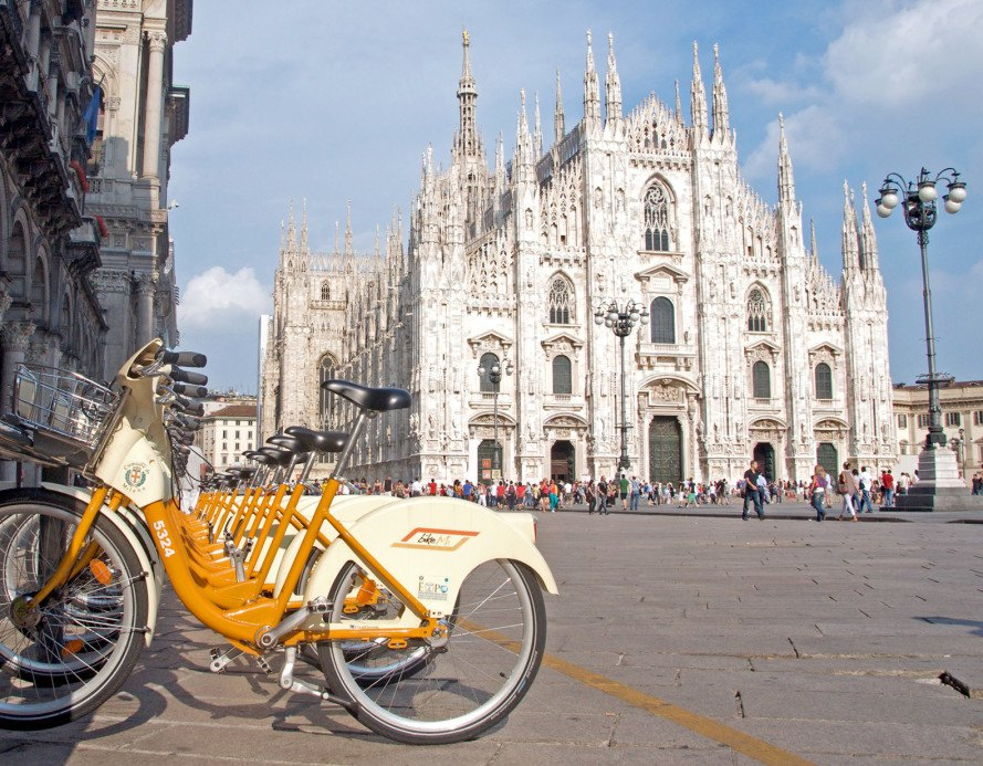 Milan wants to fight pollution by paying commuters to bike ...