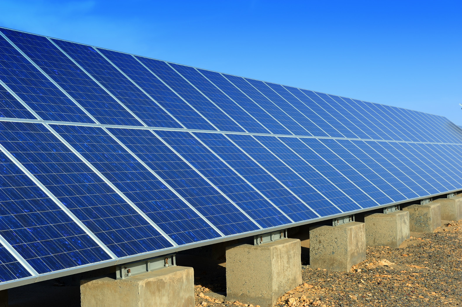 China plans to meet 2020 emissions goal by tripling solar power capacity