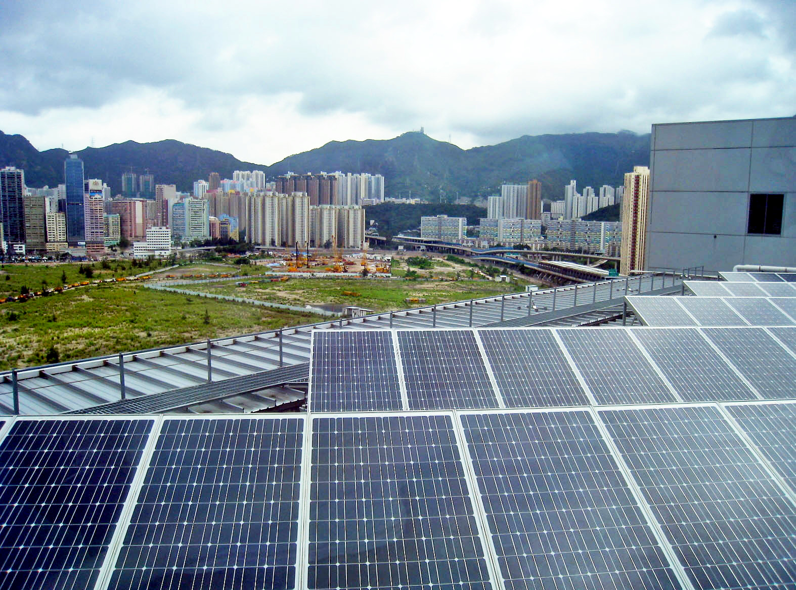 China's booming renewable energy market set to blow away emissions targets by 2020