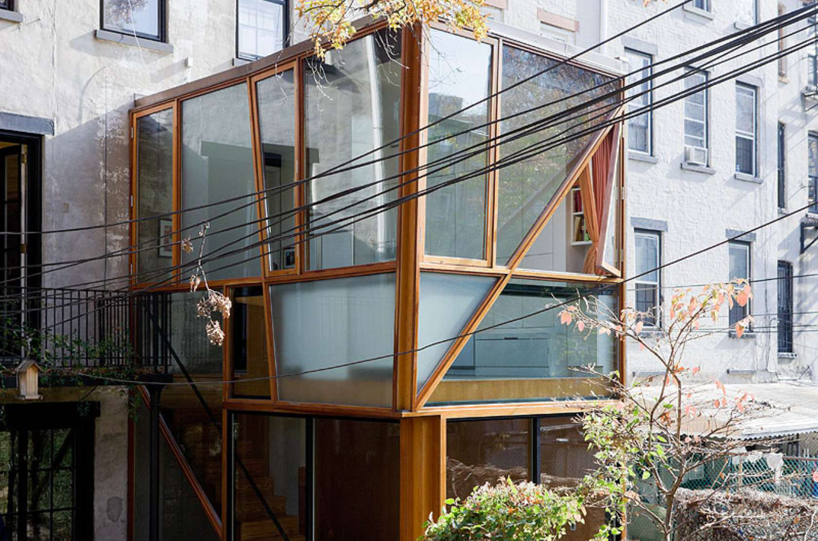 Modern glass addition brings light and nature into a Fort Greene row home