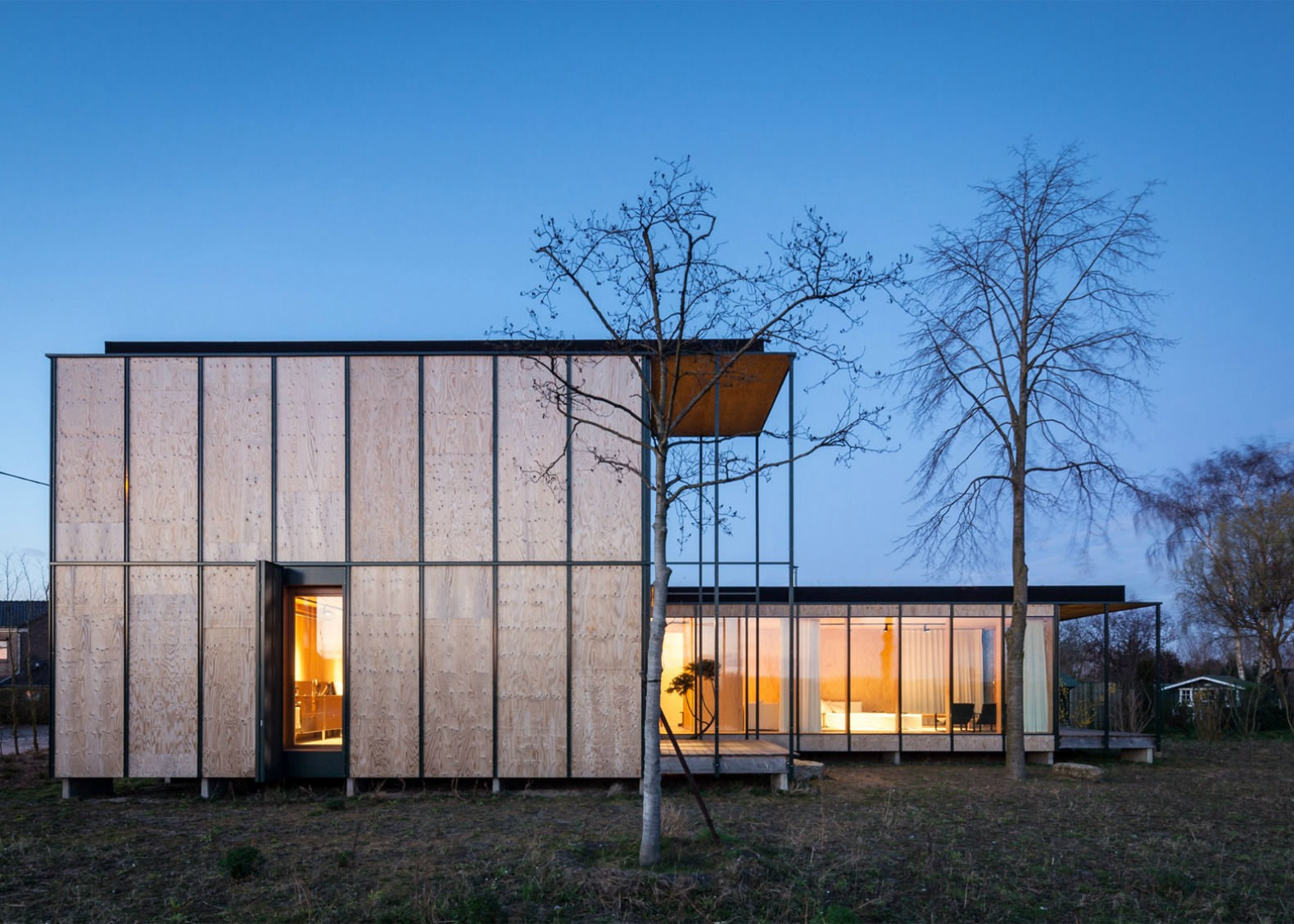 U Shaped Weekend Home In Belgium Boasts A Bare Bones Japanese Aesthetic