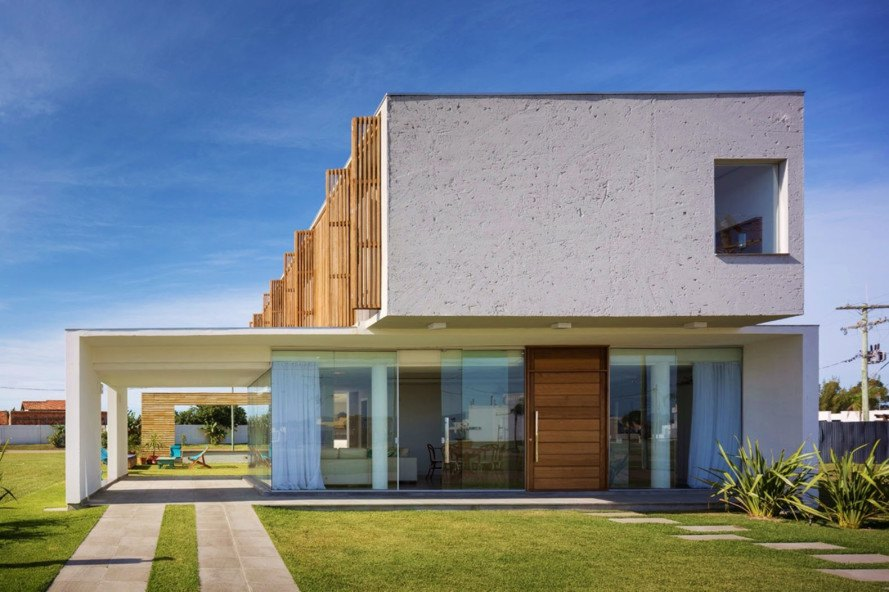 CASA22, Hola Arquitectura, Brazil, translucent building skin, interactive house, wooden lovers, natural light, green architecture, gardening, recreation