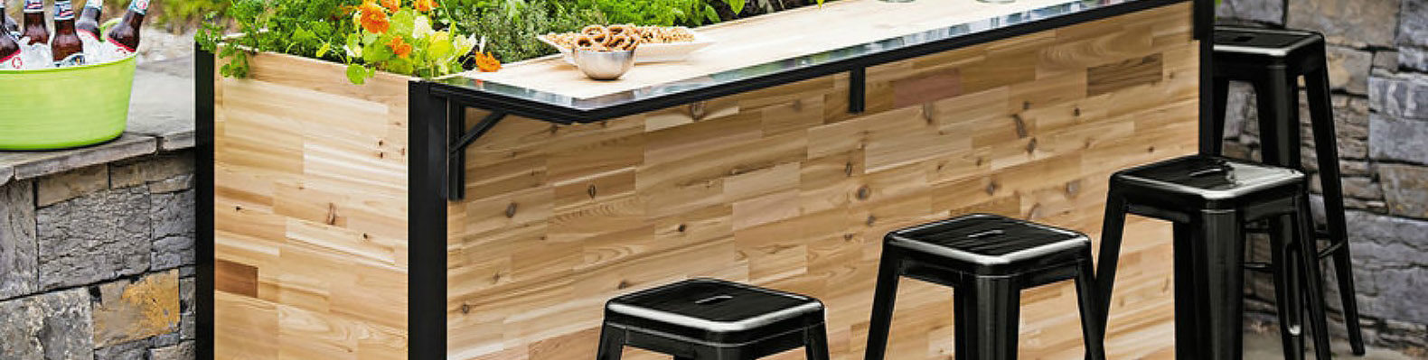 Plant A Bar An Outdoor Made With Reclaimed Wood That Doubles As Planter