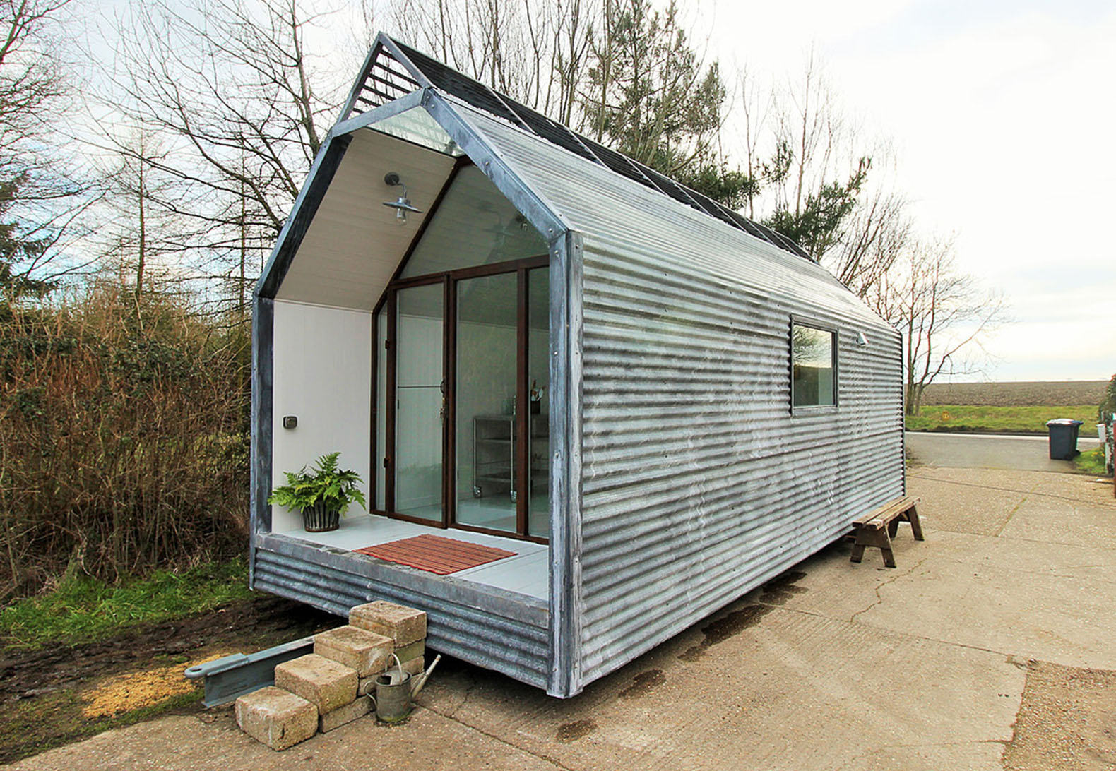 These Amazing, Affordable Modern Shepherd Huts Can Be Moved Wherever You  Want