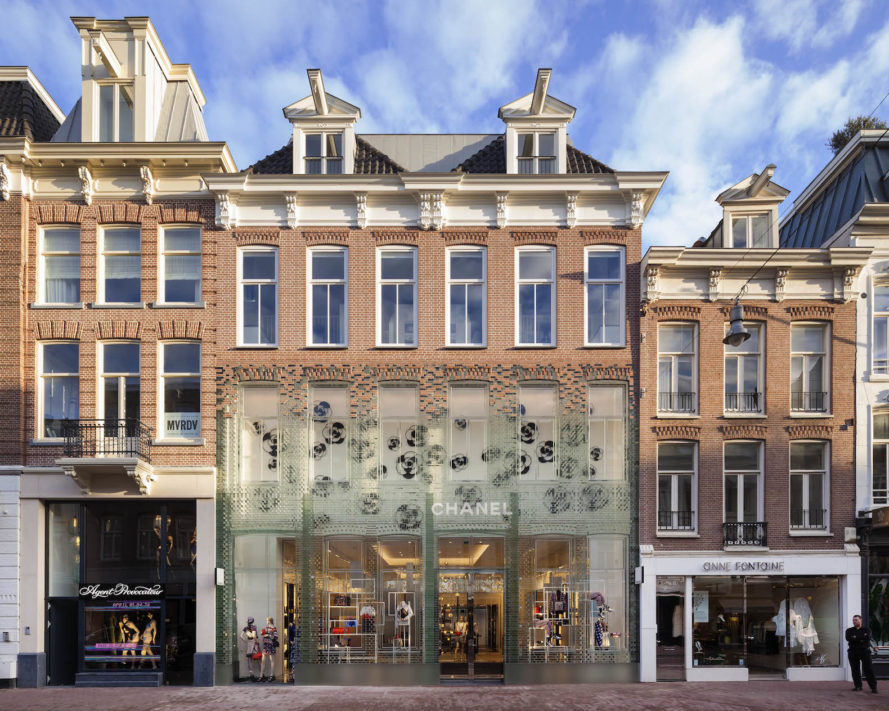 glass stronger than concrete, Chanel shop in Amsterdam, Chanel PC Hooftstraat, Amsterdam glass architecture, glass architecture, contemporary glass architecture, Crystal Houses Amsterdam, Crystal Houses by MVRDV