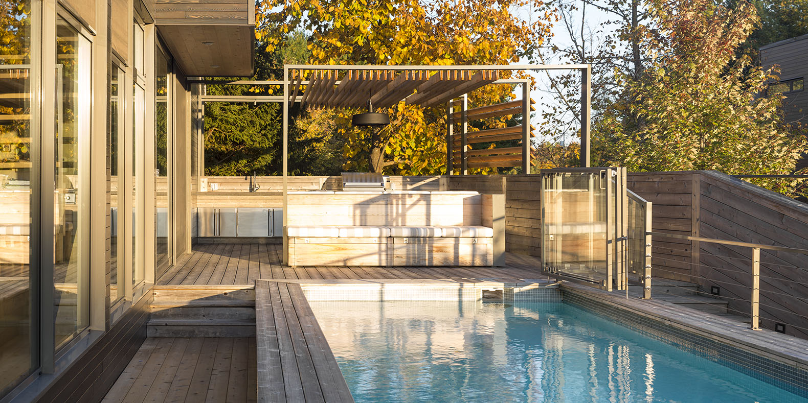 This Incredible Terrace In Canada Boasts A Full Outdoor