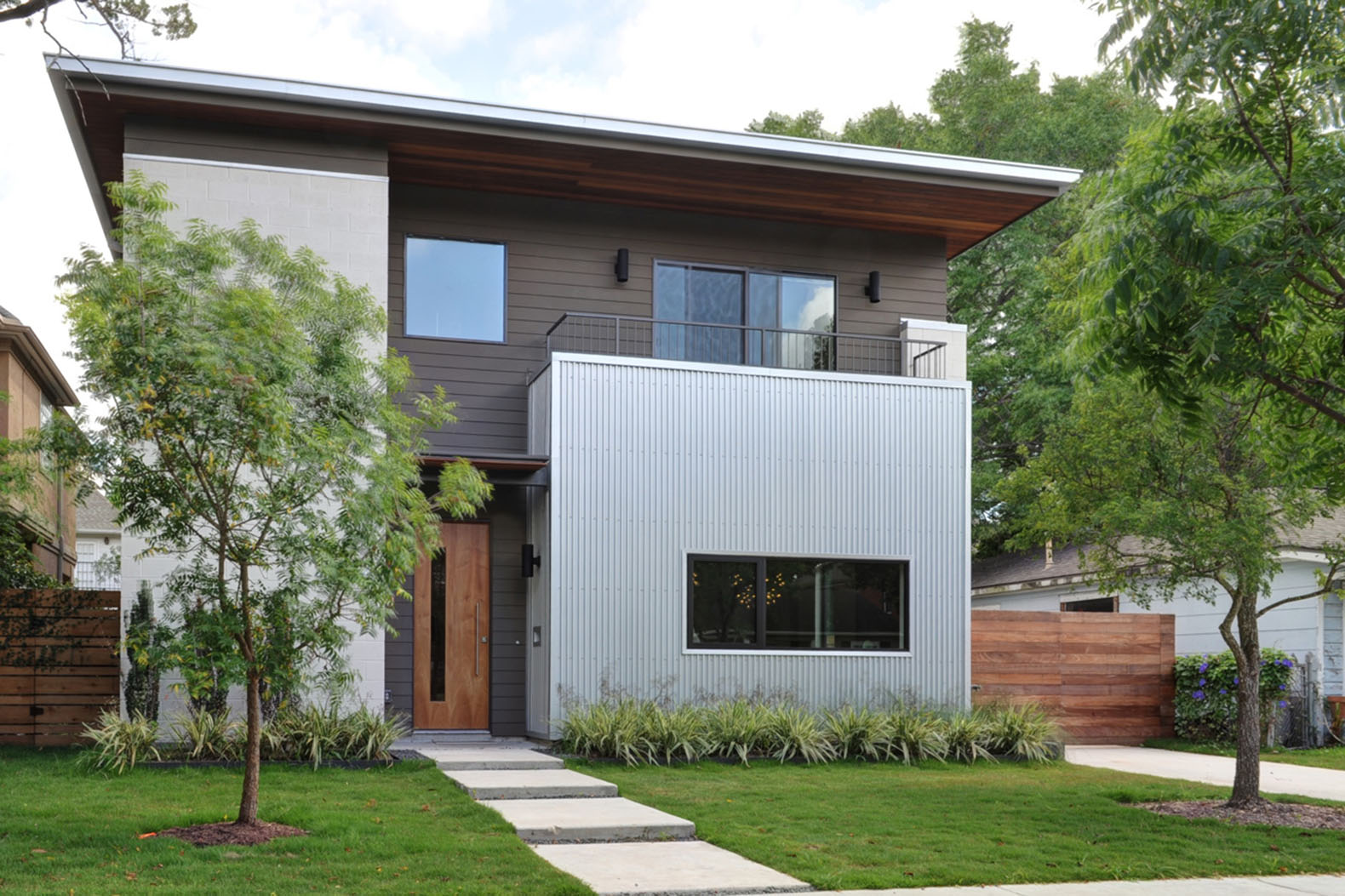 Houston's Emory House is a spatially-efficient marvel on a tight lot