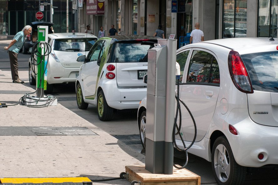 Electric cars, electric vehicles, hydrogen cars, hydrogen vehicles, gas cars, diesel cars, Holland, Dutch ban on gas and diesel cars