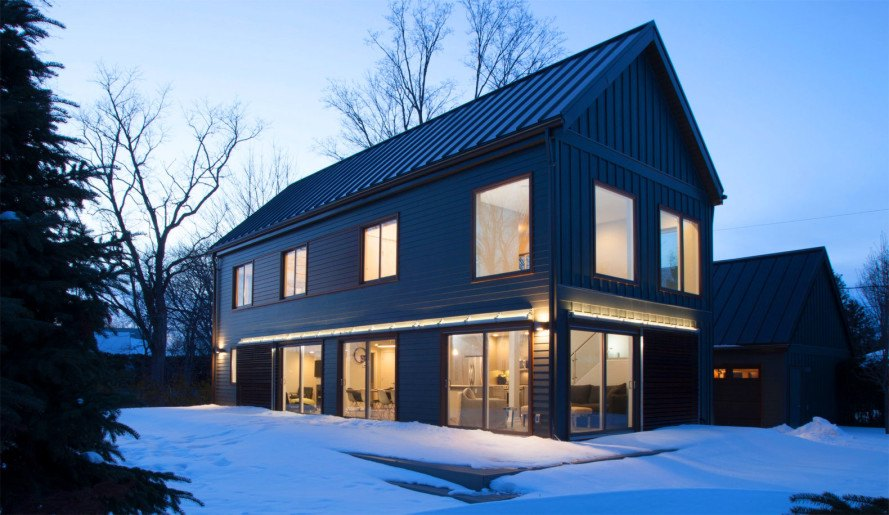 "Blu Homes' net zero energy prefab ""Farmhouse"" house"