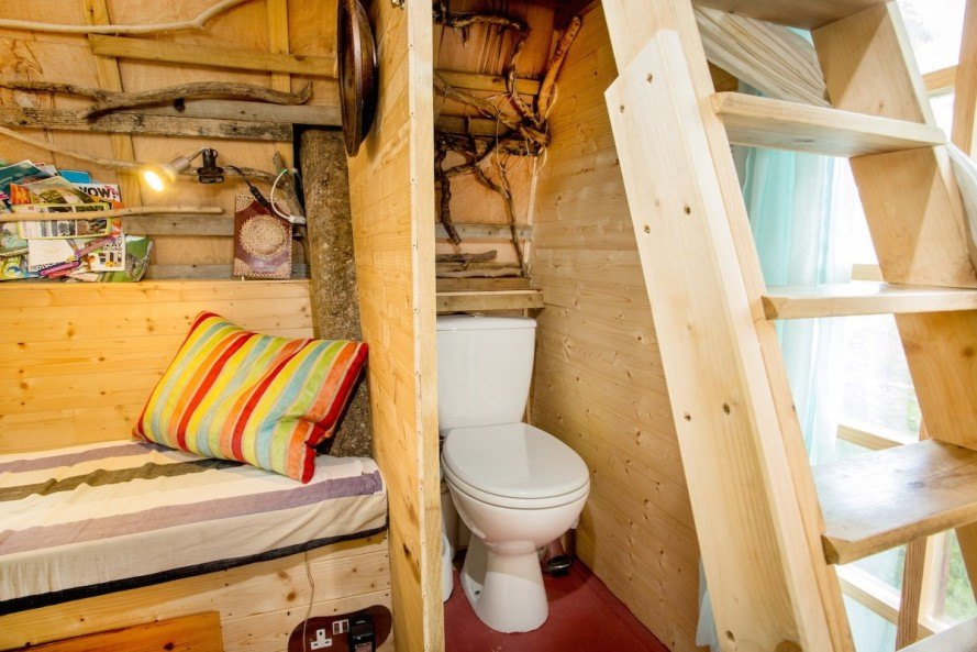 treehouse, tree sparrow house, airbnb, united kingdom, england, british airbnb, composting toilet, vacation rentals, vacation, accommodations, airbnb properties