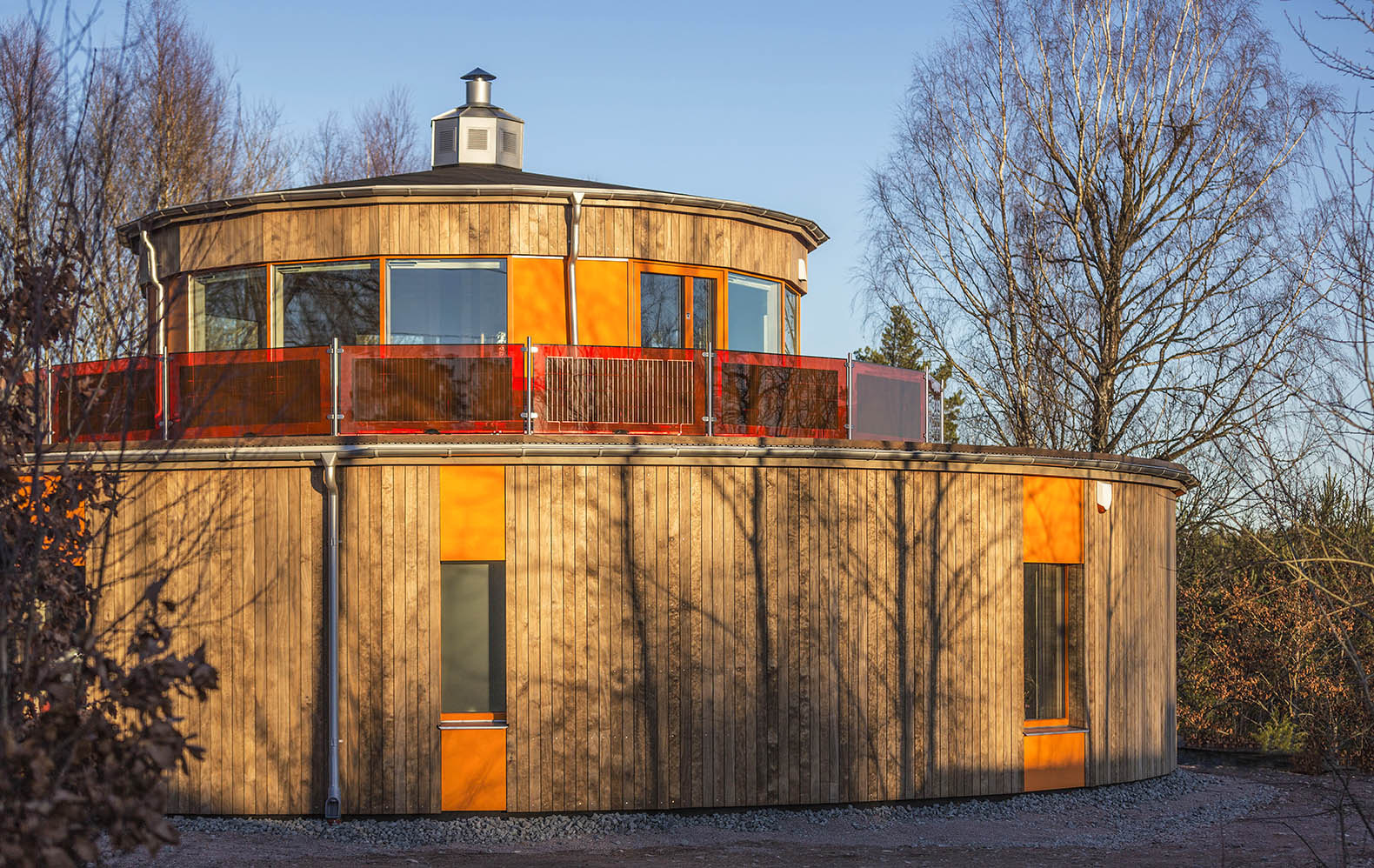 Swedenu0027s First Round Passive House Boasts An Innovative Solar Powered  Balcony
