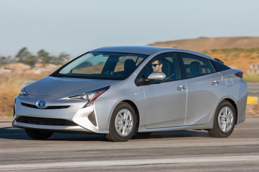 toyota, toyota prius, toyota prius hybrid, prius, 2016 prius, consumer reports, hybrid, electric car, mpg, mpge, green car, green transportation, hybrid car