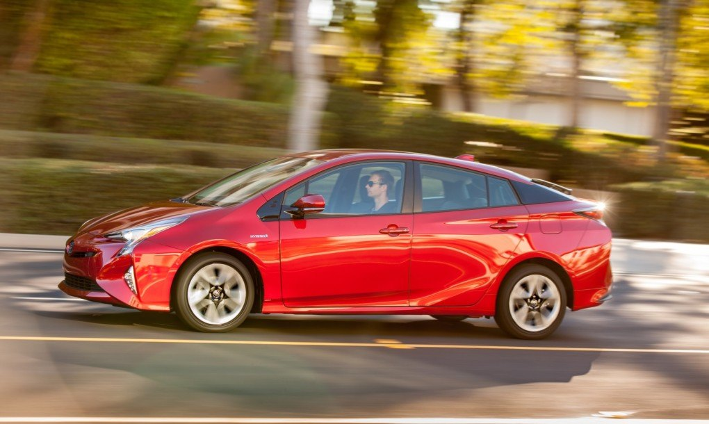 toyota prius has the best gas mileage of any car consumer reports has ever tested inhabitat. Black Bedroom Furniture Sets. Home Design Ideas
