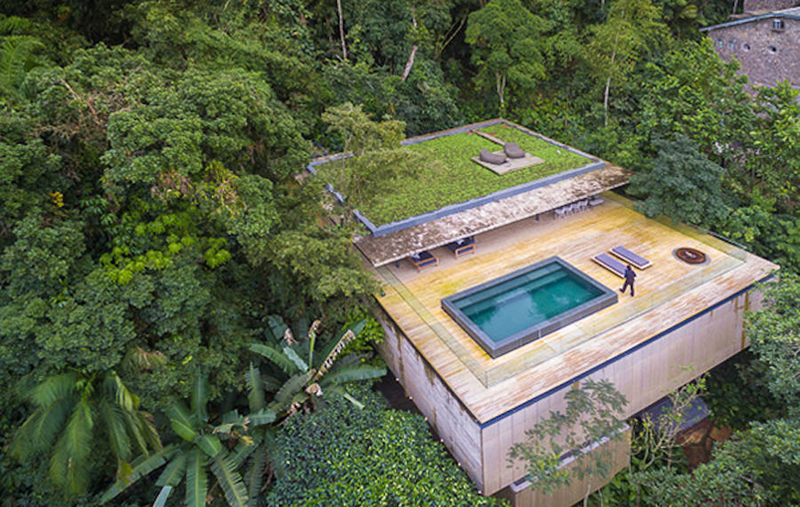 Flat Green Roof Helps Casa Guarujá Integrate With The Forest In Brazil