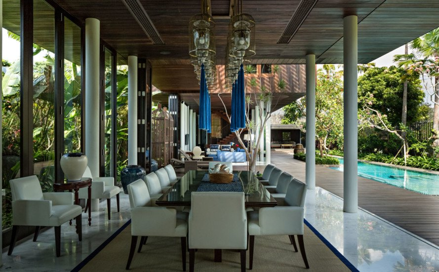 DRA House, Bali, luxury villa, wooden house, iRumah Panggung, sheltered terrace, swimming pool, green architecture, wooden structure, natural light, natural ventilation