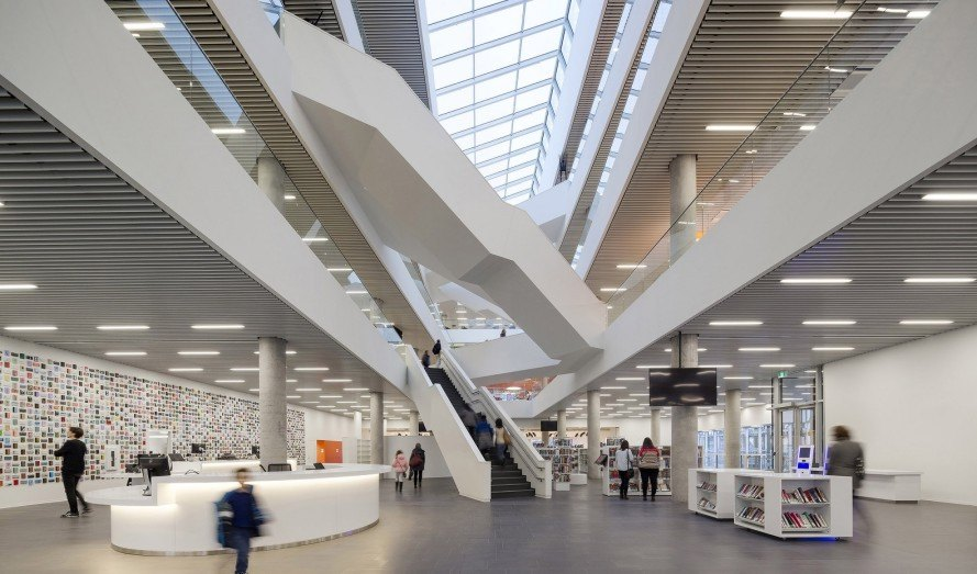 Halifax Central Library, Schmidt Hammer Lassen Architects, Fowler Bauld &Mitchell, innovative library, Canada, green library, public space, green architecture, atrium