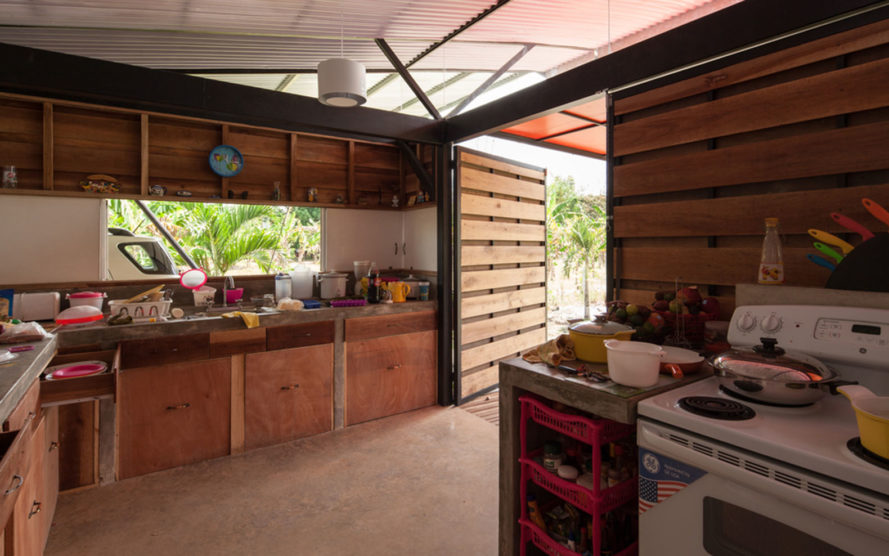 House V, Costa Rica, vernacular architecture, Arkosis, natural light, polycarbonate, green architecture, wooden deck