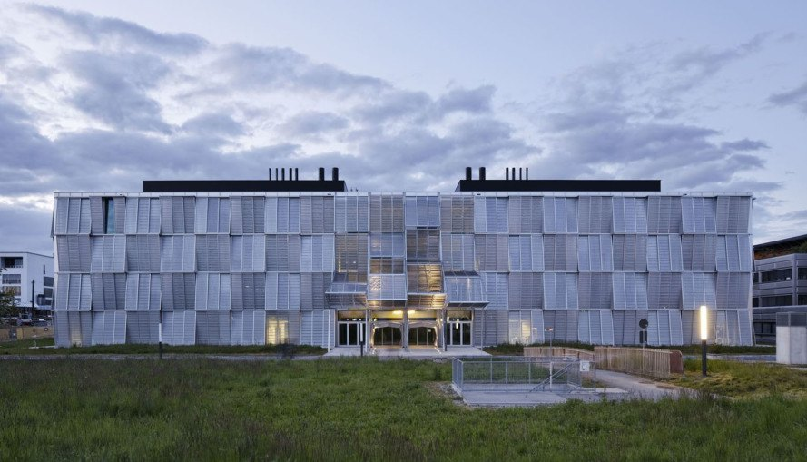 New Mechanics Hall - ME, green campus, research center, Switzerland, Dominique Perrault Architecture, Steiner SA Group, automated facade, mesh facade, metal panels, modular architecture, thermal insulation
