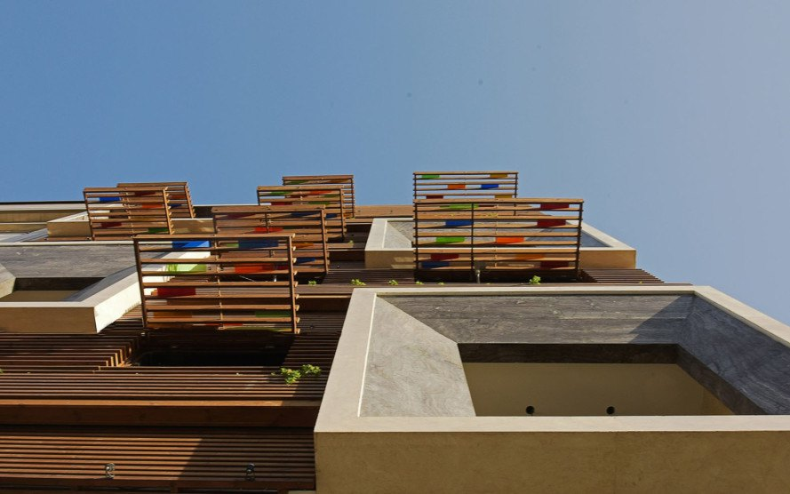 Orsi Khaneh, Orsi windows, Tehran, apartment building, Keivani Architects, timber facade, patterns, traditional architecture, recyclable materials, colored glass, lattice, natural light, green architecture