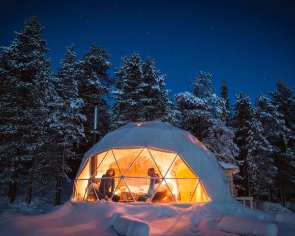 glamping, geodesic domes, geodesic aurora domes, Aurora Domes, F.domes, f domes, Northern lights, camping under the northern lights, Aurora Borealis, lake Torassieppi, Harriniva Hotels & Safaris, eco-tourism, eco travel, eco tourism, eco destinations, green vacations, eco vacations