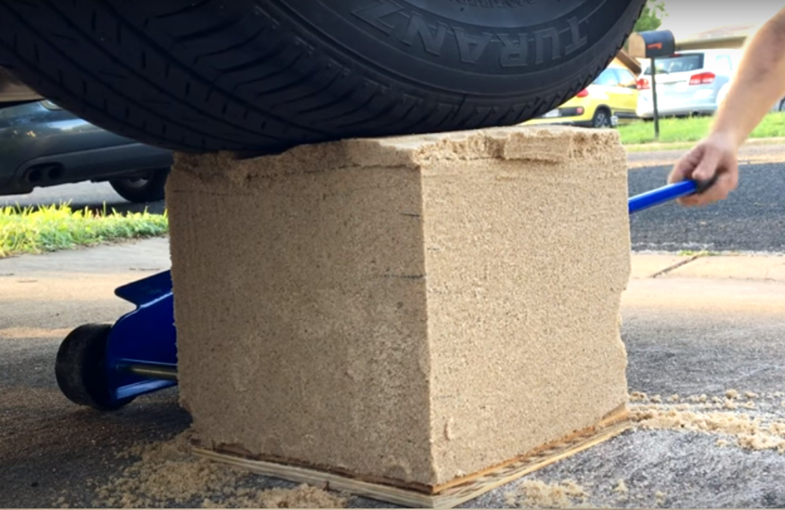 Ultra sturdy dirt brick gets its remarkable strength from for Cheap house materials