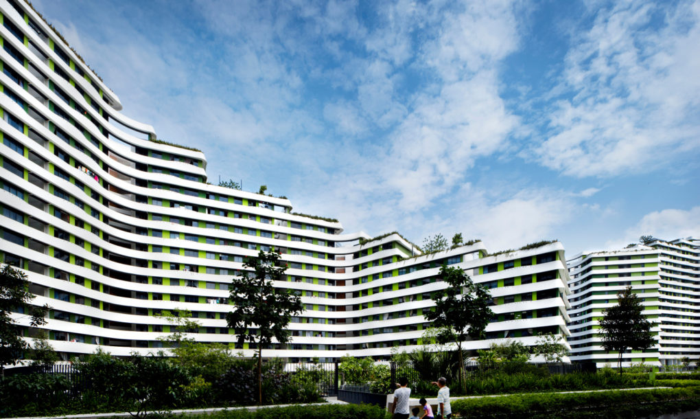 Green High Rise Keeps Cool In Sultry Singapore With