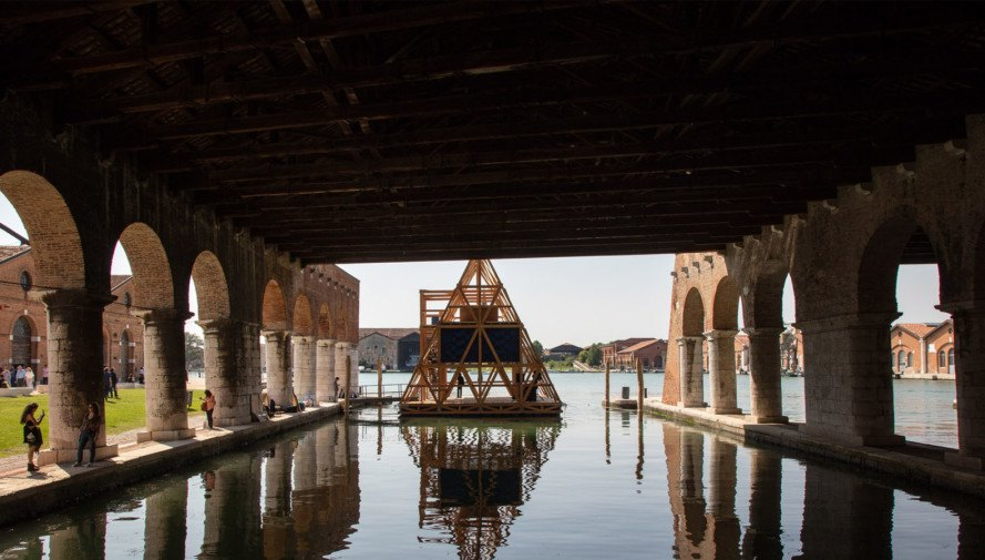 Makoko Floating School, floating pavilion, flood-proof building, prefab school, Africa, prefab, Kunlé Adeyemi | NLÉ, Venice Architecture Biennale, green architecture, disaster-proof building, flooding, waterfront