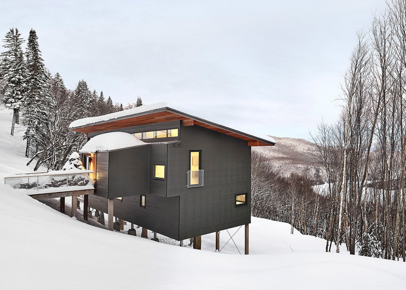 Contemporary Ski Chalet Boasts Gorgeous Panoramic Views And A Low Energy Footprint
