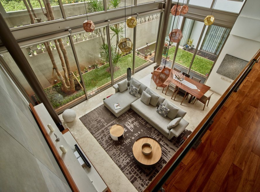 raw architecture workshop, wirawan house, wooden box house, Rumah Kotak Kayu, indonesia, jakarta, daylight, terrace gardens, balcony, reclaimed wood, local wood