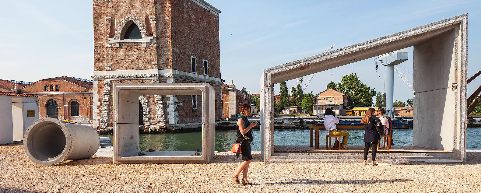 Stripped Down Modular Gomos Homes Inspired By Sewage Pipes Pop Up In Venice