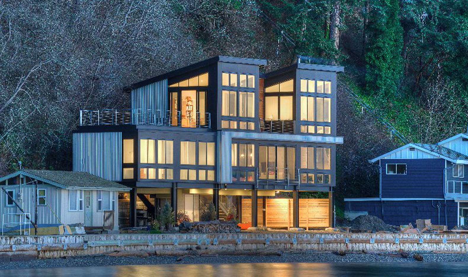 Future proof beach residence in washington state is raised for Northwest architects