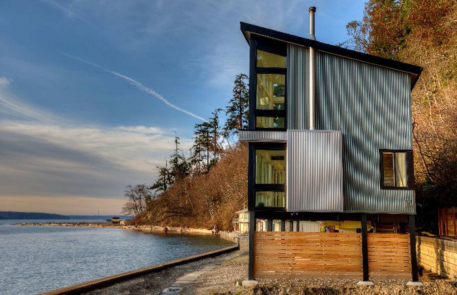 Future Proof Beach Residence In Washington State Is Raised