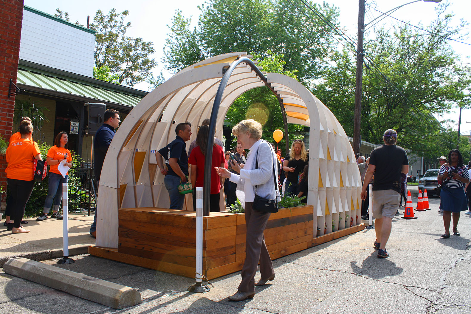Public place recycling products - Charming Upcycled Igloo Parklet Brings The Community Together With A Place To Leave Wishes