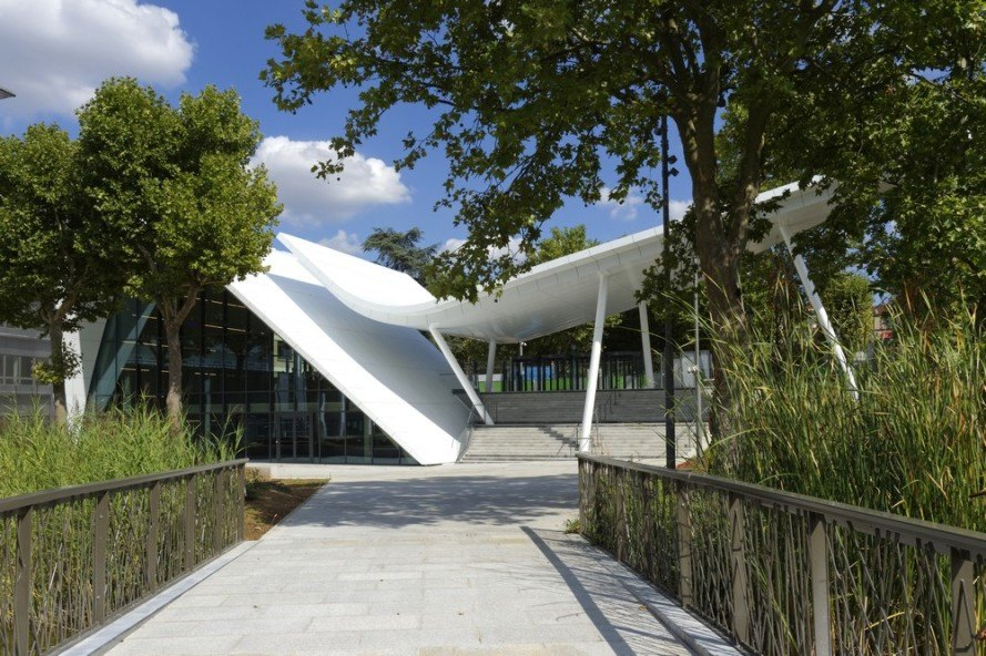 Arte Charpentier Architectes, vaulted arch roof, Evergreen Campus, Paris, innovative roof, metallic roof, Crédit Agricole, Montrouge