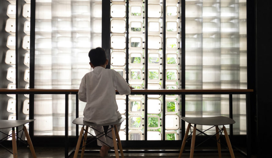 Taman Bima Microlibrary, green library, Indonesia, reused plastic, SHAU Bandung, green architecture, small spaces, natural lighting, green facade, natural ventilation