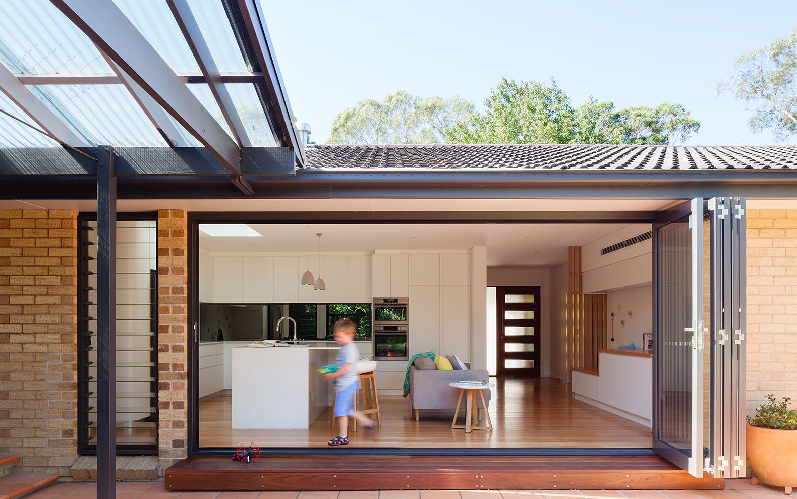Attractive New Protective Timber Slats Shield The Renovated Escu House From Sydneyu0027s  Sun
