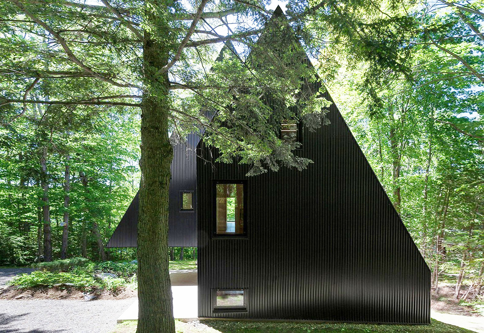 Mysterious Fahouse Is A Modern Version Of A Fairy Tale Cottage