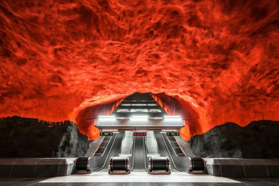 Chris M Forsyth, Metro photo series, subway photos, colorful subway design, empty subways, worldwide subway stations, urban design, metro colors, subway images, city subways, subway station architecture, urban architecture,