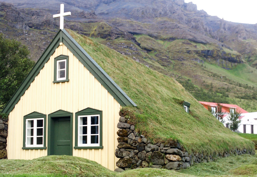 Hofskirkja church, turf church, island turf church, earth-bermed houses, earthen architecture, Icelandic turf churches, Iceland turf homes, green infused homes, green roof, sod-topped longhouses,